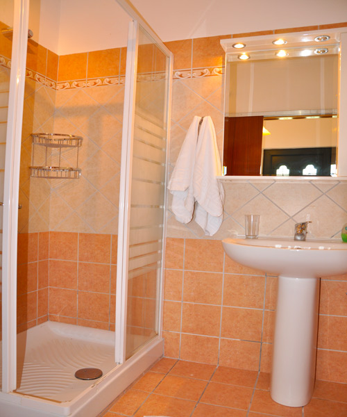 Appartement-EG-Bad-Lidovois